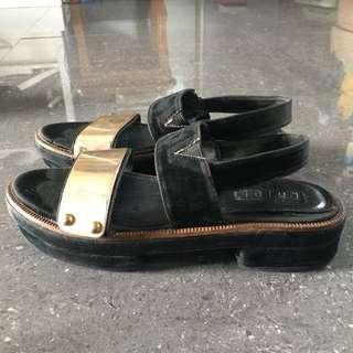 Preloved chiel shoes