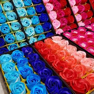 18pcs in a box Artificial Roses Soap Flowers in box