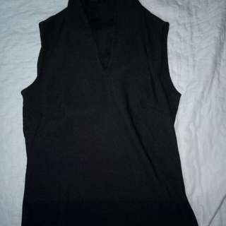 Sleeveless top black