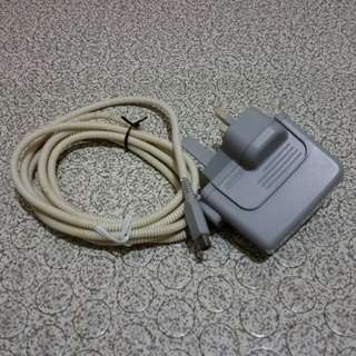 Nintendo 3DS Charger (220v)