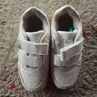 Used kid shoes