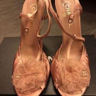 Chanel Shoes - Light pink. Size 40.5 (=size 39) (只穿過一次少於兩個鐘)