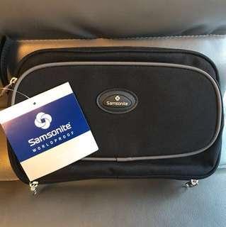 BNWT Samsonite Travel toiletries bag