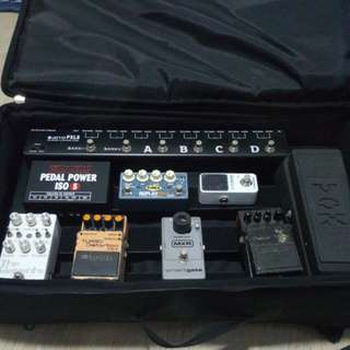 Pedals and pedalboard for sale