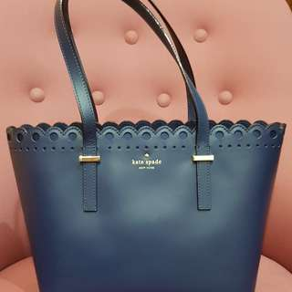 Authentic Kate spade tote bag navy blue - rarely used great condition