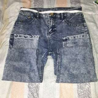Demin acid wash jeans