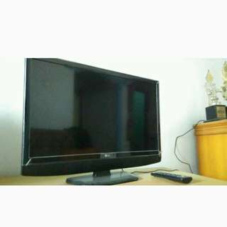 TV LG LED 23 Inchi Mulus