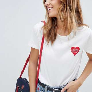 ‼️For Preorder‼️ Tommy Hilfiger Heart T-Shirt