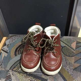H&M kid shoes ( size uk 24 us 7.5)