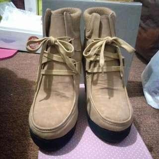 全新楔型棕色靴 #新春八折