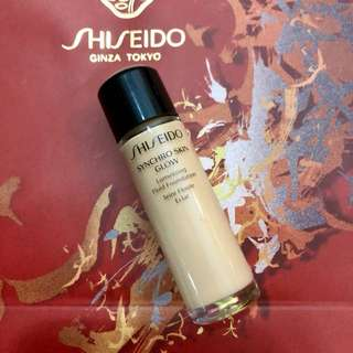 Shiseido Synchro Skin Glow Foundation 10 ml.