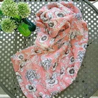 Jilbab Square Peach Flowery