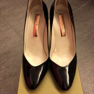Rupert Sanderson - Black. Size 39. 4 inches