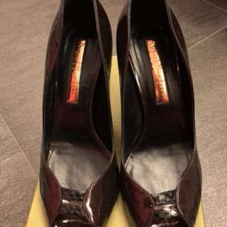Rupert Sanderson Shoes - wine red. Size 39. 4 吋