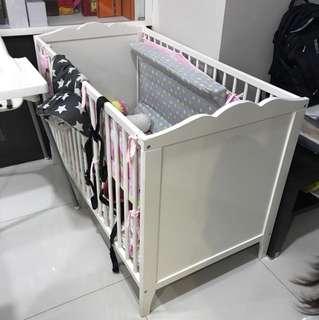 Baby cot.