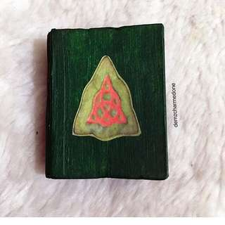 MINIATURE BOOK OF SHADOWS