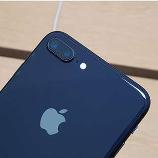 2017 買 iphone 8 plus 64gb 黑色99成新