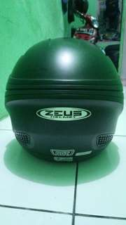 Helm Zeus Warna Black Doff