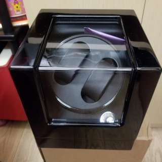 Automatic watch winder/display