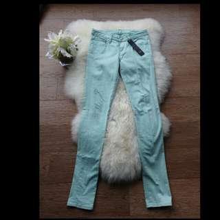 Jeans Stretch Hijau Mint