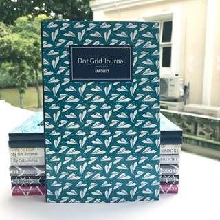 Gorgeous and Handy Dot Grid Journal for Bullet Journalling - Beginner's Bullet Journal Notebook Organiser Planner