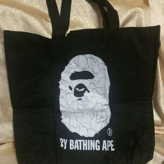 全新BAPE側揹袋