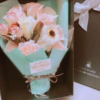 香檳+白色香皂玫瑰花 情人節 情人節禮物
