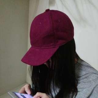 紫紅色鴨舌帽