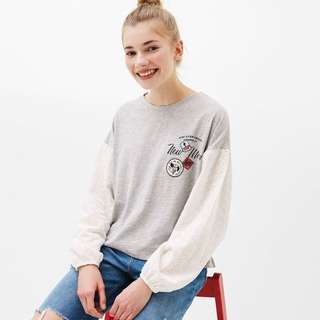 BN Bershka Long-Sleeved t shirt / sweater with laced sleeves