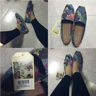 Toms Flower Pattern Shoe