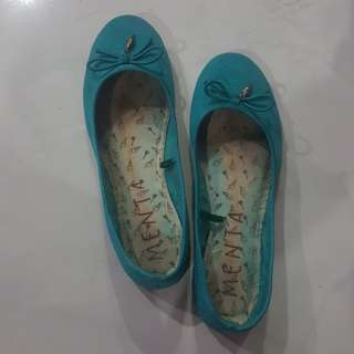 Teal flat shoes