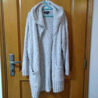 英國名牌品牌米色 柔軟舒服毛毛外套(全新)