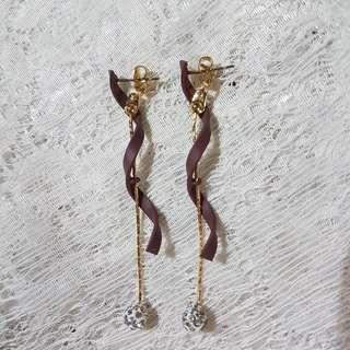 Vitis twirl earring