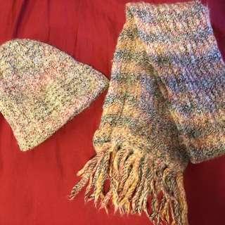 Cute knit hat & scarf
