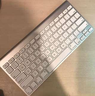 Wts apple wireless keyboard