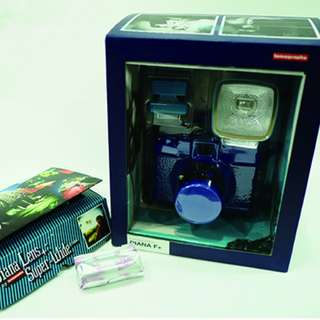 Diana F+ True Blue 底片相機 (+ 可轉接廣角鏡頭一組 Diana Lens Super-Wide 38mm) (並贈送一捲彩色底片)
