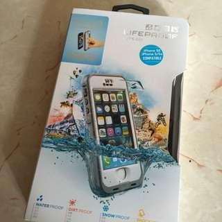 Lifeproof 防水Case (iphone SE)