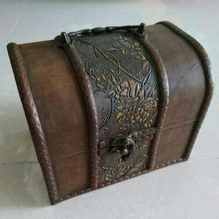 Wooden antique looking Box case