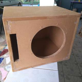 Subwoofer enclosure for 8 inches sub