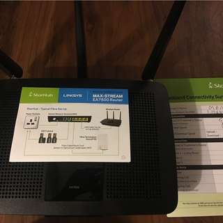 Brand New Linksys Router MAX Stream EA7500 Router