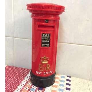 塑膠 回歸英女皇 郵筒 儲蓄箱 錢箱 錢罌 ER II Post Office 皇冠頭 香港郵政