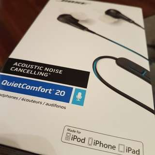 **Brand New and Sealed** QC20 Black Apple or Samsung (android)
