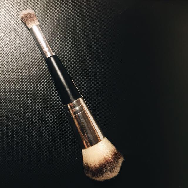 2 in 1 makeup Brush