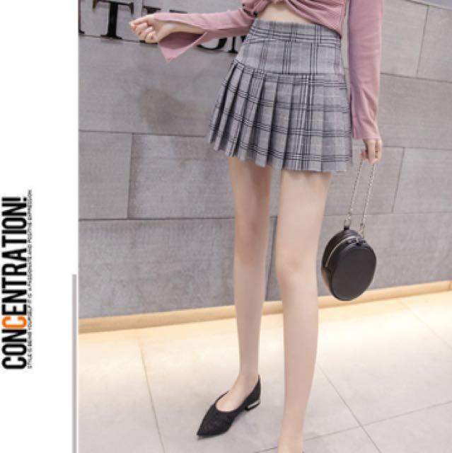 學院風格子短裙