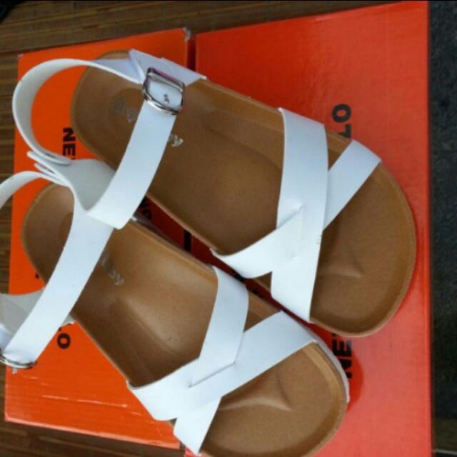 勃肯白色涼鞋