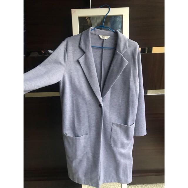 全新 💕 NET 灰色大衣 現貨 L #大衣 #現貨 #灰色 #全新 #不對稱口袋設計 僅試穿 #大衣外套 #大衣 #灰色 #灰色大衣 #灰色大衣外套 #NET #net購入