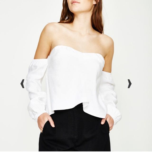 Alice In The Eve Elena Off The Shoulder Top White