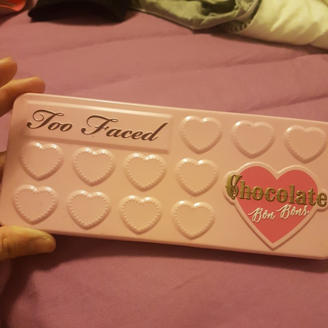 LIKE new Too faced chocolate bon bon palette