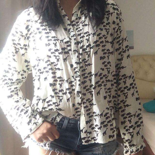 Animal silhouette print shirt