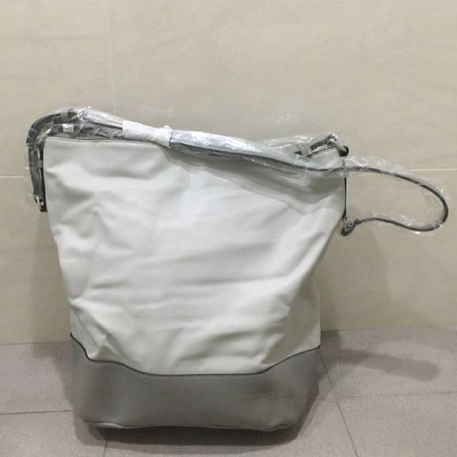 asos 灰色水桶包